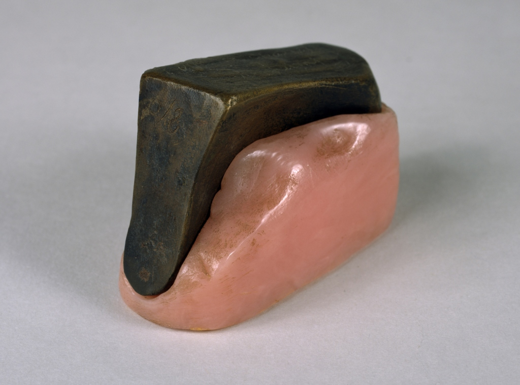 Coin de chasteté [Wedge of Chastity], 1954 1963