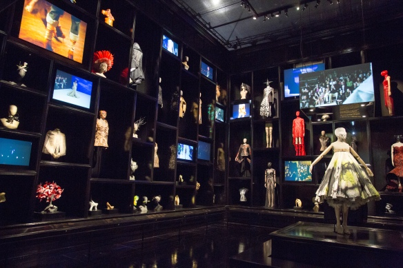 6._Installation_view_of__Cabinet_of_Curiosities_gallery_Alexander_McQueen_Savage_Beauty_at_the_VA_c_Victoria_and_Albert_Museum_London (2)
