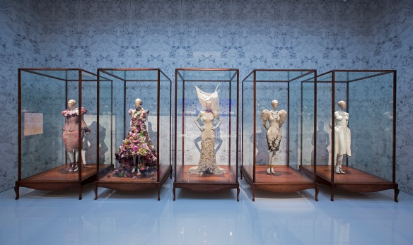 9._Installation_view_of_Romantic_Naturalism_gallery_Alexander_McQueen_Savage_Beauty_at_the_VA_c_Victoria_and_Albert_Museum_London (2)